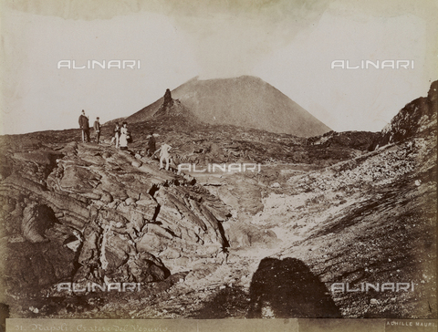 FBQ-F-002873-0000 - Trip to the crater of Vesuvius at Naples - Date of photography: 1885 ca. - Fratelli Alinari Museum Collections, Florence