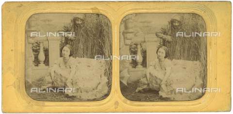 FBQ-F-003938-0000 - Man photographed while looking at a woman who pee. Stereoscopic image - Date of photography: 1880-1890 - Fratelli Alinari Museum Collections, Florence