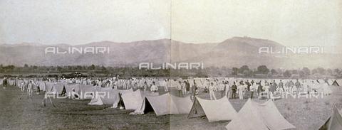 FBQ-F-004307-0000 - Veduta di un accampamento militare del 3° battaglione del reggimento Volontari a Palestrina - Data dello scatto: 1873 - Raccolte Museali Fratelli Alinari (RMFA), Firenze