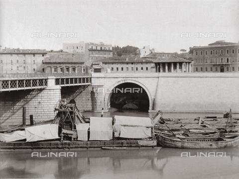 FBQ-F-004308-0000 - La Cloaca Massima al suo sbocco nel Tevere, Roma - Data dello scatto: 1895 ca. - Raccolte Museali Fratelli Alinari (RMFA), Firenze