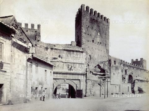 FBQ-F-004325-0000 - Porta San Lorenzo a Roma - Data dello scatto: 1880-1900 ca. - Raccolte Museali Fratelli Alinari (RMFA), Firenze