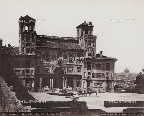 FBQ-F-004451-0000 - Animated view of the facade of Villa Medici, seat of the French Academy in Rome - Date of photography: 1885 ca. - Fratelli Alinari Museum Collections, Florence