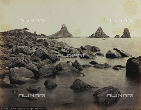 FBQ-F-004879-0000 - A small bay on the coast of Catania, dominated by the so-called rocks of the Cyclops - Data dello scatto: 1870 -1880 ca. - Archivi Alinari, Firenze