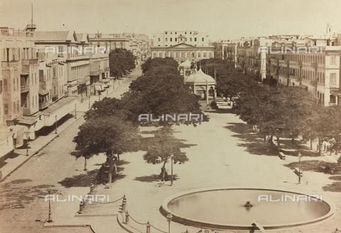 FBQ-F-004882-0000 - Section of a great square in Alexandria in Egypt - Data dello scatto: 1870 ca. - Archivi Alinari, Firenze