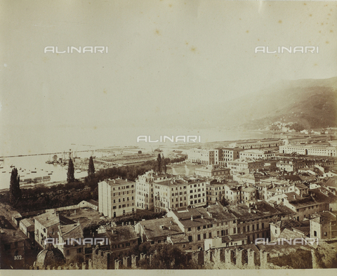FBQ-F-004964-0000 - Panorama of La Spezia situated in the gulf of La Spezia. In the foreground, tall apartment houses and beyond the port - Data dello scatto: 1870 ca. - Archivi Alinari, Firenze