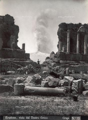 """FBQ-F-006909-0000 - """"Eruption of Etna, View from the Greek Theater"""" - Data dello scatto: 1880-1890 - Archivi Alinari, Firenze"""