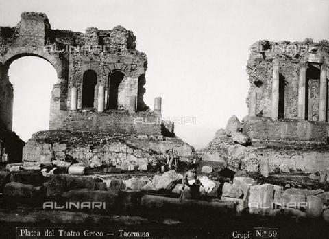 FBQ-F-006910-0000 - Orchestra of the Greek Theater of Taormina - Data dello scatto: 1880-1890 - Archivi Alinari, Firenze