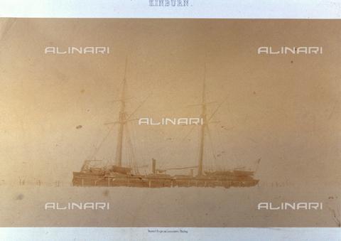 FBQ-S-001276-0007 - L'imbarcazione a vela 'Fleche' intrappolata tra i ghiacci nei pressi di Kinburn, in Crimea, negli anni della guerra - Data dello scatto: 1855 -1856 - Raccolte Museali Fratelli Alinari (RMFA), Firenze