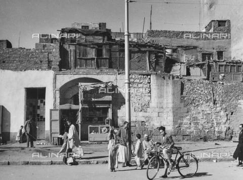 FCA-F-000176-0000 - Strada de Il Cairo, Egitto - Data dello scatto: 1950-1960 - Archivi Alinari, Firenze