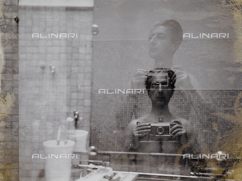 FCA-F-000188-0000 - Autoritratto del fotografo Fabrizio Clerici - Data dello scatto: 1960-1969 - Archivi Alinari, Firenze
