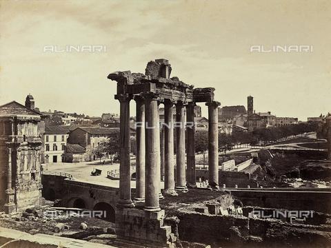 FCC-F-009915-0000 - Veduta del tempio di Saturno nel Foro romano, a Roma - Data dello scatto: 1860 ca. - Raccolte Museali Fratelli Alinari (RMFA)-collezione Favrod, Firenze