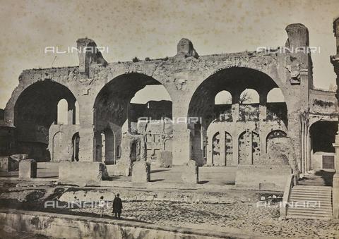 FCC-F-009918-0000 - La Basilica di Massenzio o di Costantino, a Roma - Data dello scatto: 1860 ca. - Archivi Alinari, Firenze