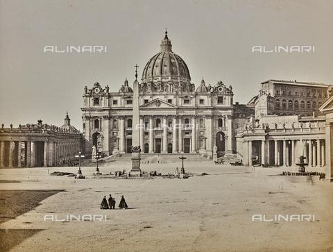 FCC-F-009921-0000 - Veduta di piazza S. Pietro, a Roma - Data dello scatto: 1860 ca. - Archivi Alinari, Firenze