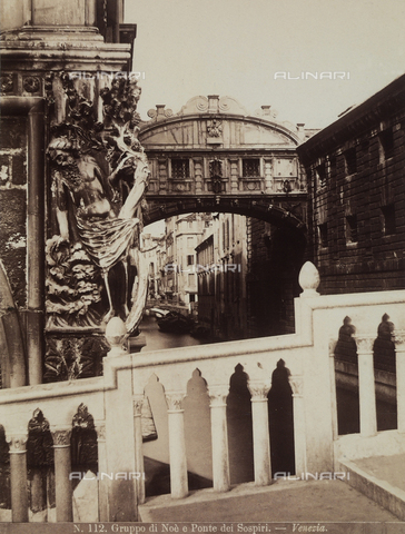 FCC-F-010848-0000 - Sculpture group of the Drunkenness of Noah, behind the Palazzo Ducale. The Bridge of Sighs is in the background, Venice - Data dello scatto: 1870 ca. - Archivi Alinari, Firenze
