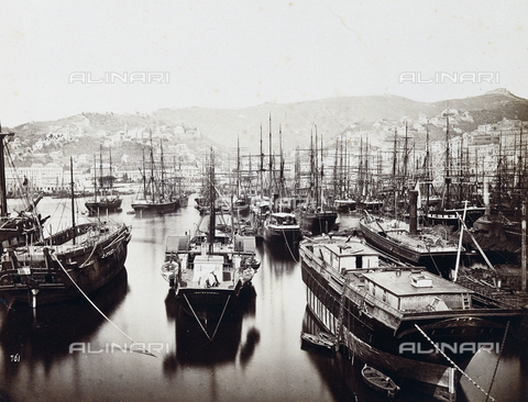 FCC-F-011086-0000 - Genoa. The Port - Data dello scatto: 1865 ca. - Archivi Alinari, Firenze