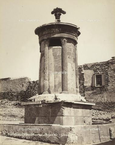 FCC-F-014321-0000 - Monumento a Lisicrate situato nella città di Atene - Data dello scatto: 1870 ca. - Raccolte Museali Fratelli Alinari (RMFA)-collezione Favrod, Firenze