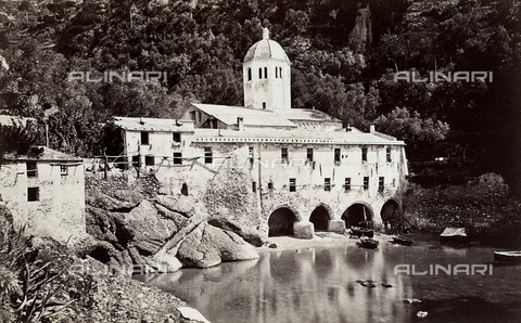 FCC-F-021098-0000 - View of San Fruttuoso monastery - Data dello scatto: 1890 ca. - Archivi Alinari, Firenze