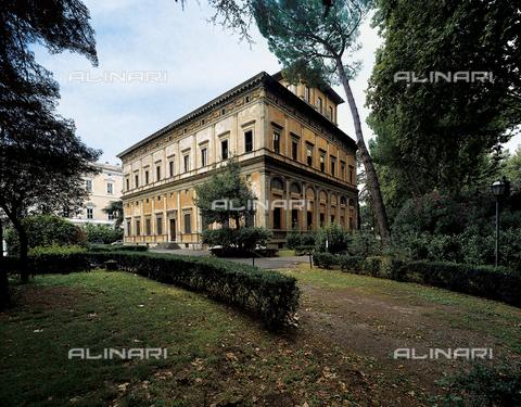 FCP-S-FAR000-0012 - Villa della Farnesina a Roma, i lati sud ed est - Data dello scatto: 2003 - Franco Cosimo Panini Editore © su licenza Fratelli Alinari