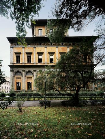 FCP-S-FAR000-0013 - Villa La Farnesina in Rome, the west side - Data dello scatto: 2003 - Franco Cosimo Panini Editore © Management Fratelli Alinari