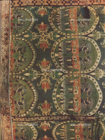 FDC-F-000459-0000 - Fabric with lions; work of Oriental art. Vatican Museums, Vatican City