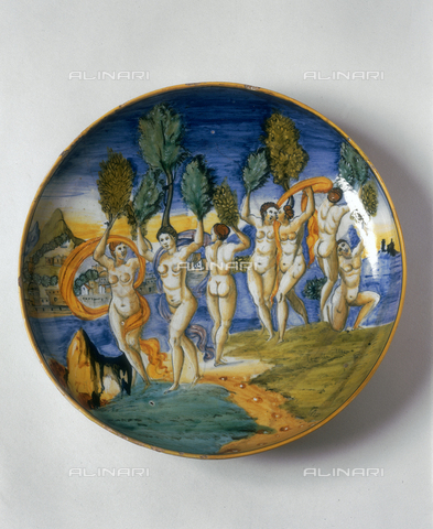 FIN-S-MGE000-0309 - Polychrome ceramic bowl depicting Phaethon's sisters turned into poplar trees, work by Girolamo and Giacomo Lanfranco da Gabicce, conserved at the Galleria Estense in Modena - Reproduced with the permission of Ministero per i Beni e le Attività Culturali / Finsiel/Alinari Archives