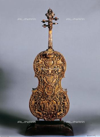 FIN-S-MGE000-313b - Cello, work by Nicola Amati, conserved at the Galleria Estense in Modena - Reproduced with the permission of Ministero per i Beni e le Attività Culturali / Finsiel/Alinari Archives