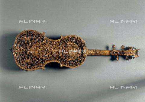 FIN-S-MGE000-314B - Violin, work by Domenico Galli, conserved at the Galleria Estense in Modena - Reproduced with the permission of Ministero per i Beni e le Attività Culturali / Finsiel/Alinari Archives