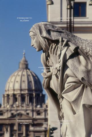 FMA-F-000037-0000 - Santa Catreina da Siena, 1961, marmo, Francesco Messina (1900-1995), Castel Sant'Angelo, Roma