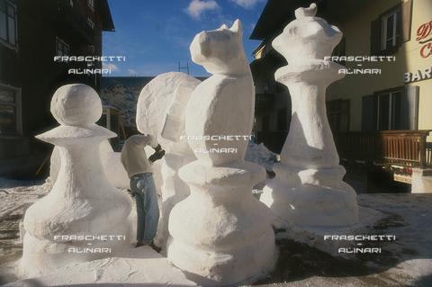 FMA-F-001261-0000 - Cortina: Statue di Ghiaccio