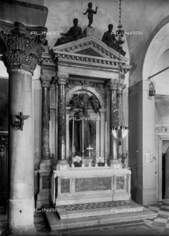 FPA-F-001180-0000 - St. Anthony Abbot, bronze, Girolamo Campagna (1522-1623), altar of the Church of St. James (Giacometto) in Rialto, Venice - Date of photography: 1940 ca. - Alinari Archives-Fiorentini Archive, Florence
