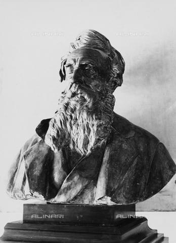 FPA-F-001342-0000 - Bust of Nicholas Tommaso Salvini, Istituto Magistrale in Venice - Date of photography: 1945 ca. - Alinari Archives-Fiorentini Archive, Florence