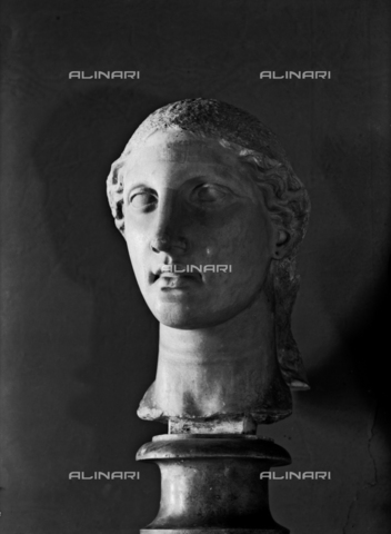 FPA-F-002744-0000 - Colossal head of Athena, National Archaeological Museum, Venice - Date of photography: 1945 ca. - Alinari Archives-Fiorentini Archive, Florence