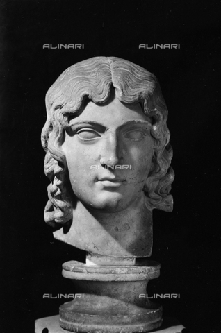 FPA-F-004713-0000 - Head of Persephone, National Archaeological Museum, Venice - Date of photography: 1945 ca. - Alinari Archives-Fiorentini Archive, Florence