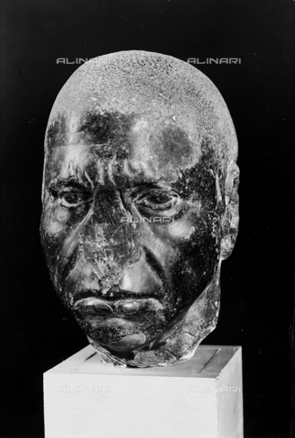 FPA-F-004736-0000 - Head of a man with negroid characteristics, National Archaeological Museum, Venice - Date of photography: 1940 ca. - Alinari Archives-Fiorentini Archive, Florence