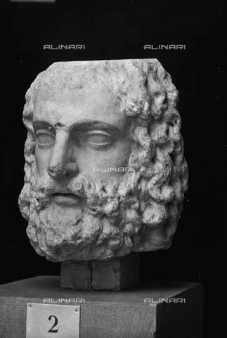FPA-F-004741-0000 - Head of Jupiter Serapis, marble, National Archaeological Museum, Venice - Date of photography: 1940 ca. - Alinari Archives-Fiorentini Archive, Florence