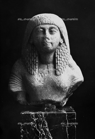 FPA-F-004815-0000 - Half bust of an Egyptian woman, National Archaeological Museum, Venice - Date of photography: 1945 ca. - Alinari Archives-Fiorentini Archive, Florence