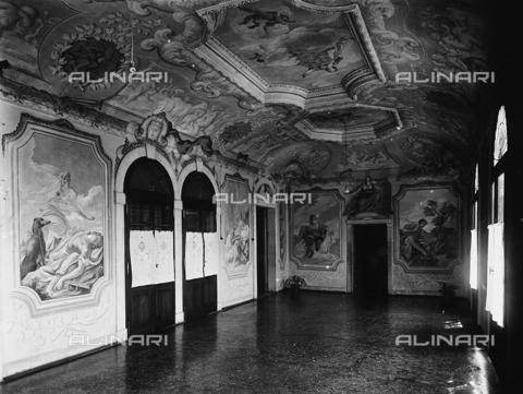 FPA-F-005487-0000 - Internal view of Villa Widmann Rezzonico Foscari, Mira, Venice - Date of photography: 1935 ca. - Alinari Archives-Fiorentini Archive, Florence