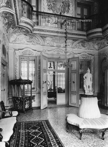FPA-F-005489-0000 - Internal view of Villa Widmann Rezzonico Foscari, Mira, Venice - Date of photography: 1935 ca. - Alinari Archives-Fiorentini Archive, Florence