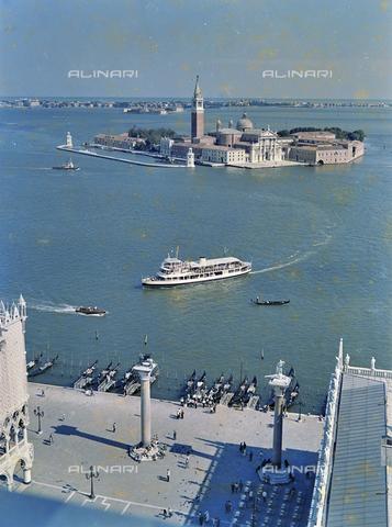 FVA-S-256000-0161 - Veduta aerea di Venezia: la Basilica di San Giorgio - Data dello scatto: 1950 ca. - Archivi Alinari, Firenze