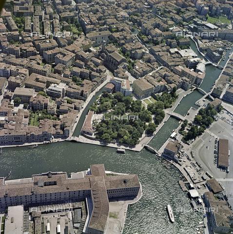FVA-S-256000-0178 - Veduta aerea di Venezia - Data dello scatto: 1950 ca. - Archivi Alinari, Firenze