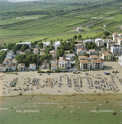 FVA-S-256000-0185 - Veduta aerea del litorale, Venezia - Data dello scatto: 1950 ca. - Archivi Alinari-donazione Ferruzzi, Firenze