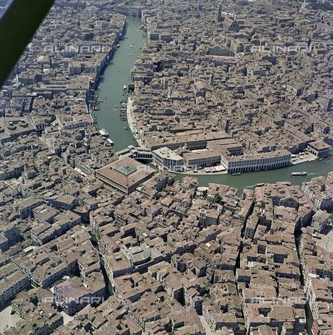 FVA-S-256000-0189 - Veduta aerea di Venezia - Data dello scatto: 1950 ca. - Archivi Alinari, Firenze