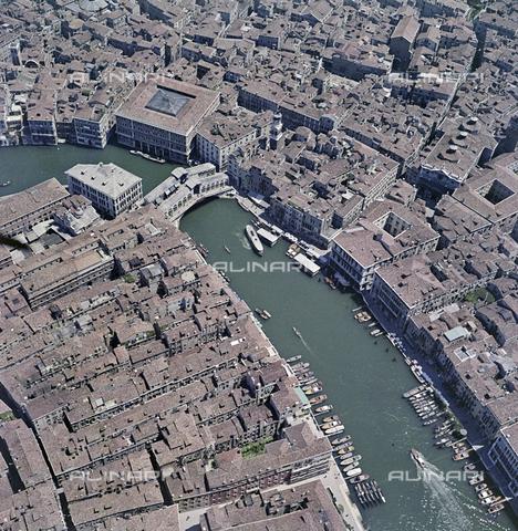 FVA-S-256000-0191 - Veduta aerea di Venezia: il Canal Grande - Data dello scatto: 1950 ca. - Archivi Alinari, Firenze