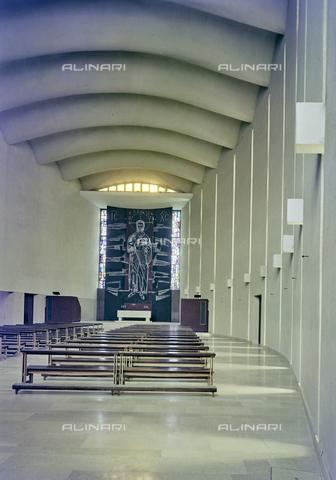FVA-S-260000-0016 - Chiesa di San Lorenzo Giustiniani, interno con pannello raffigurante Cristo, Mestre, Venezia - Data dello scatto: 1961 - Archivi Alinari-donazione Ferruzzi, Firenze