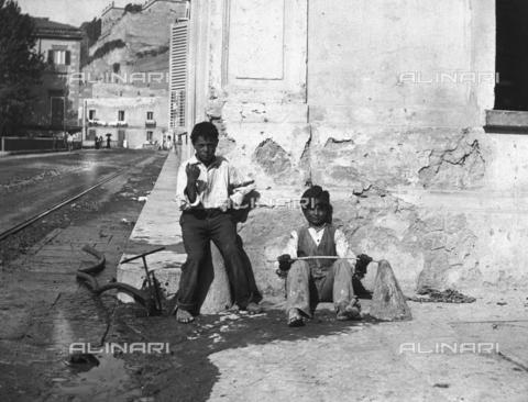 FVD-S-006542-0C66 - Scugnizzi - Data dello scatto: 1895-1910 - Donazione Biondi / Archivi Alinari, Firenze