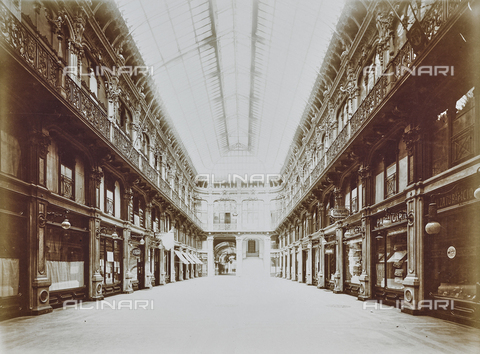 FVQ-F-000025-0000 - La Galleria Subalpina (dell'Industria Subalpina) a Torino - Data dello scatto: 23/09/1926 - Raccolte Museali Fratelli Alinari (RMFA), Firenze