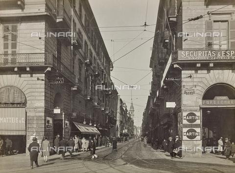 FVQ-F-000335-0000 - Via Roma da piazza Carlo Felice prima della demolizione, Torino - Data dello scatto: 1935 ca. - Raccolte Museali Fratelli Alinari (RMFA), Firenze