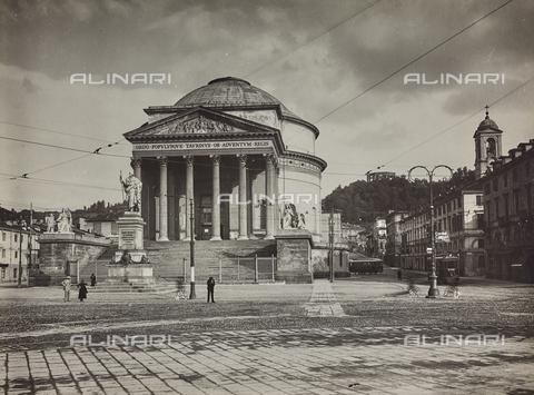 FVQ-F-000768-0000 - La chiesa della Gran Madre di Dio a Torino - Data dello scatto: 1925-1935 - Raccolte Museali Fratelli Alinari (RMFA), Firenze