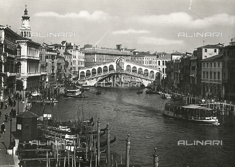 FVQ-F-008361-0000 - View of the Rialto bridge, Venice