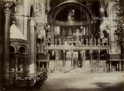FVQ-F-023738-0000 - Inner view of the Basilica of San Marco, Venice - Data dello scatto: 1865-1875 - Archivi Alinari, Firenze
